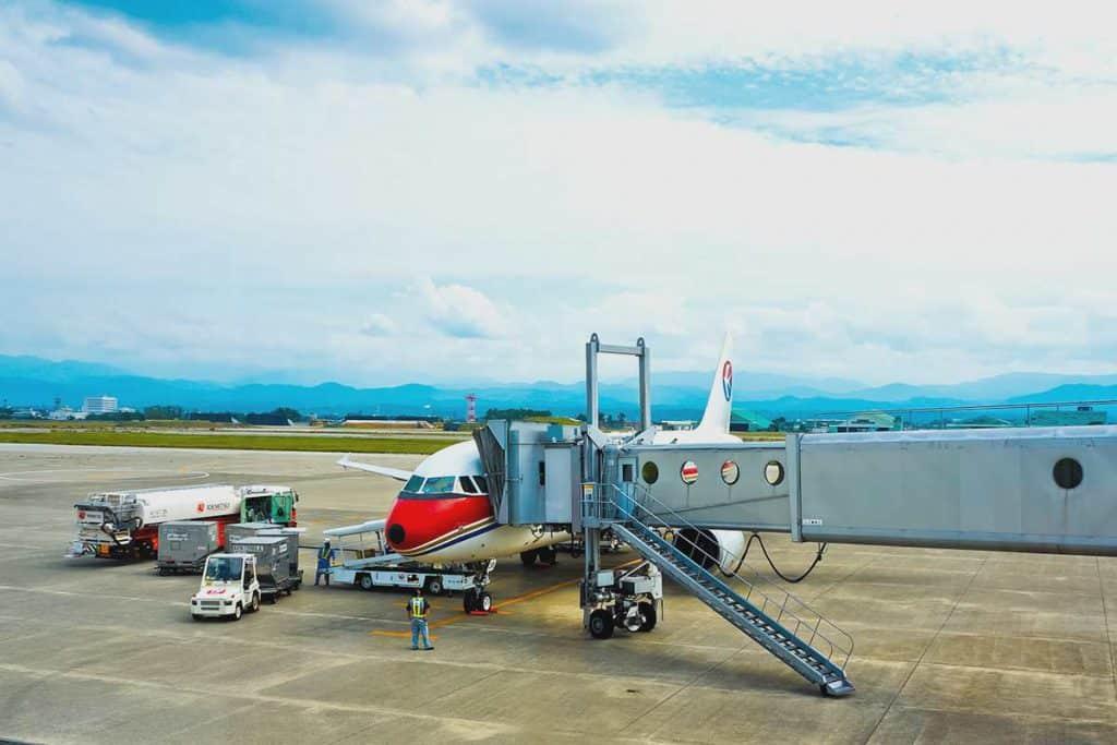 proceso embarcar en el avión