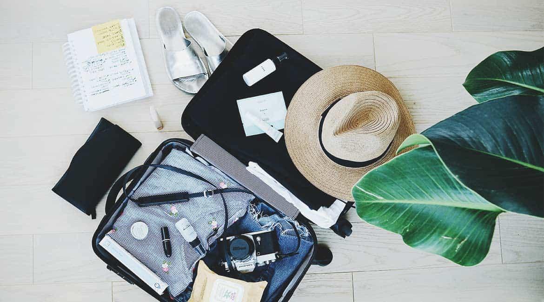 ¿Qué llevar en la maleta? 27 cosas imprescindibles + lista de viaje PDF