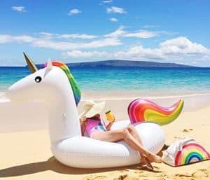 Viajar a Maldivas: llevate un inflable como este unicornio