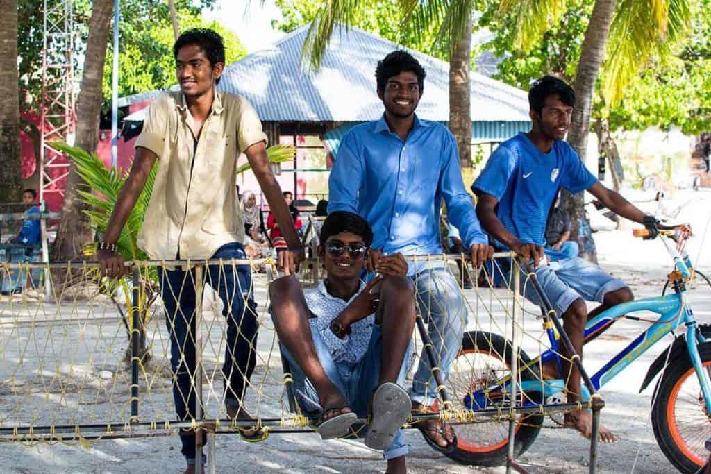 Viajar a Maldivas: locales en Gulhi