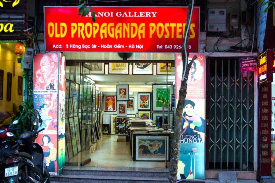Poster de propaganda antigua en Vietnam