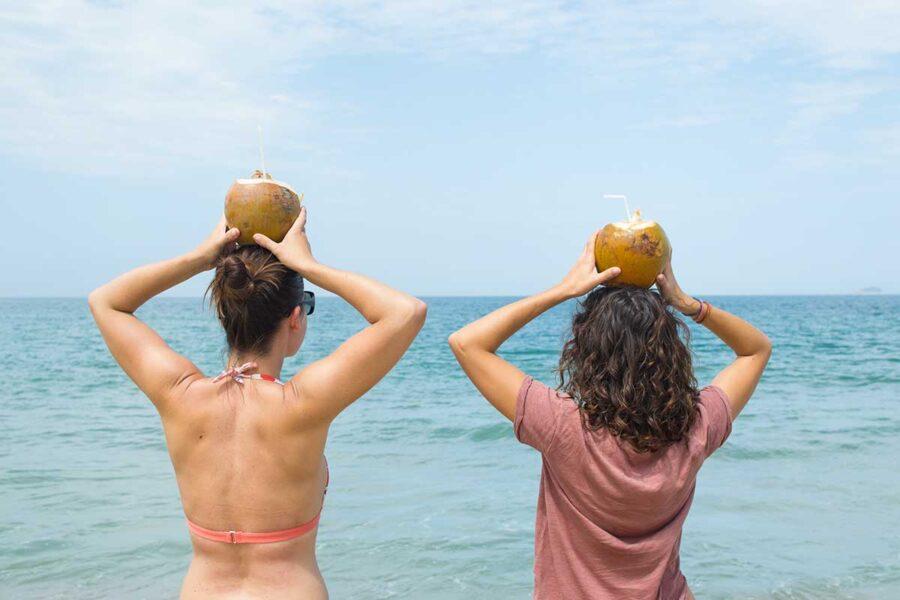 Un coco al día proporciona alegría