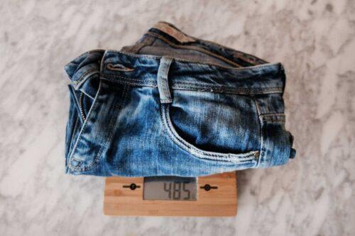 Para la maleta perfecta pesa tus prendas y elige la más ligera