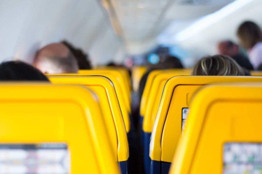 Para viajar barato considera aerolíneas low cost