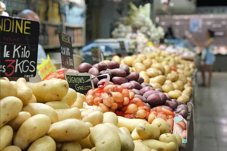 Reducir consumo plástico comprando en mercado local