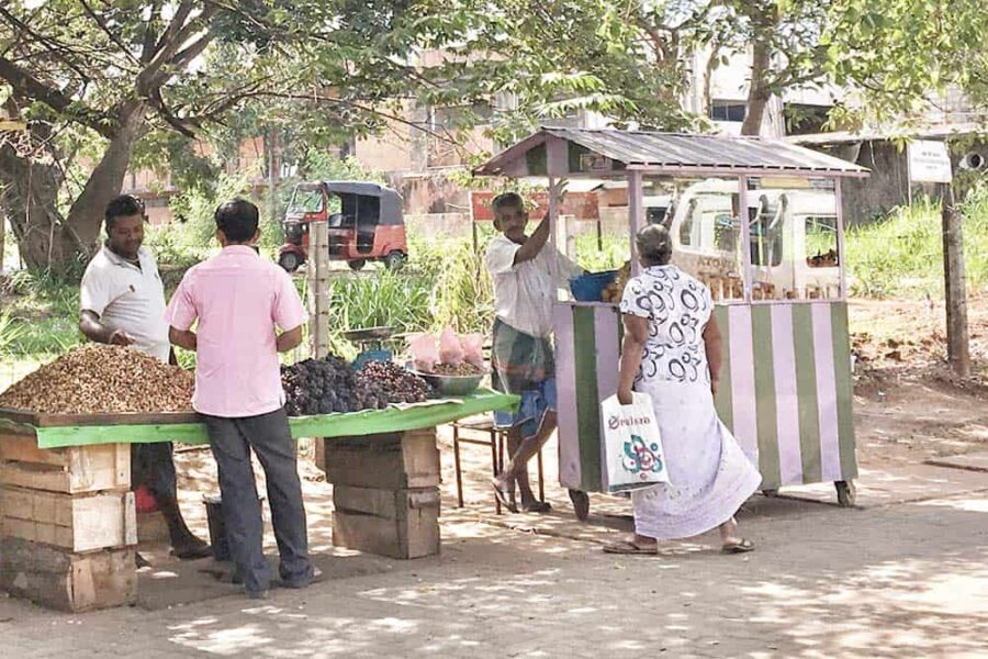 Mercado local en Uppuveli