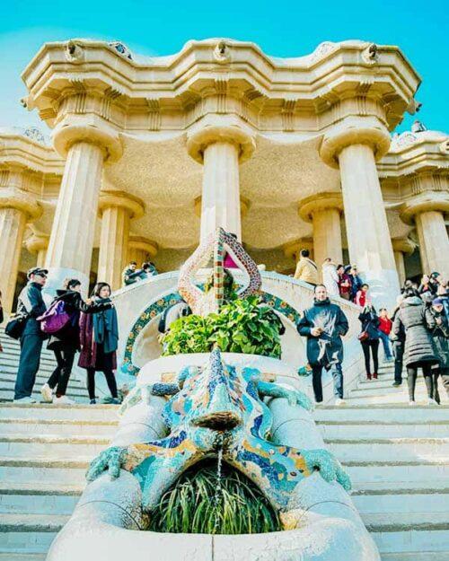 Parque Güell en Barcelona, una de las mayores atracciones turísticas