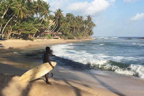 Surfear en Sri Lanka