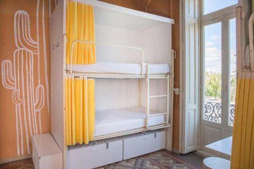 Dormitorios del hostal The River, Hostel en Valencia, España.