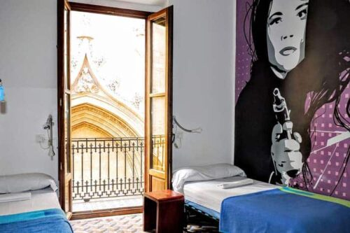 Habitación compartida del hostal home Youth en Valencia, España.