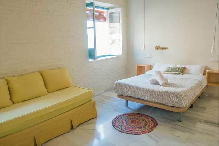 Habitacion-privada-del-hostal-Normad-Hostel.