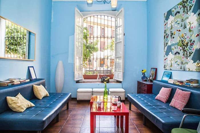 Lounge-hostal-one-sevilla-centro.
