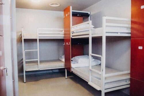 habitaciones del hostal clinknoord, en Amsterdam.