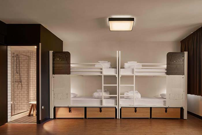 Habitación mixta del Hostal Generator en París, Francia.