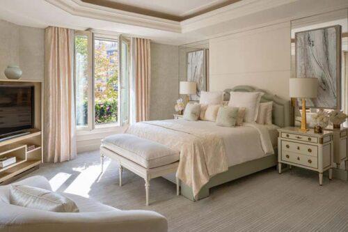 Four Seasons Hotel George V Paris.