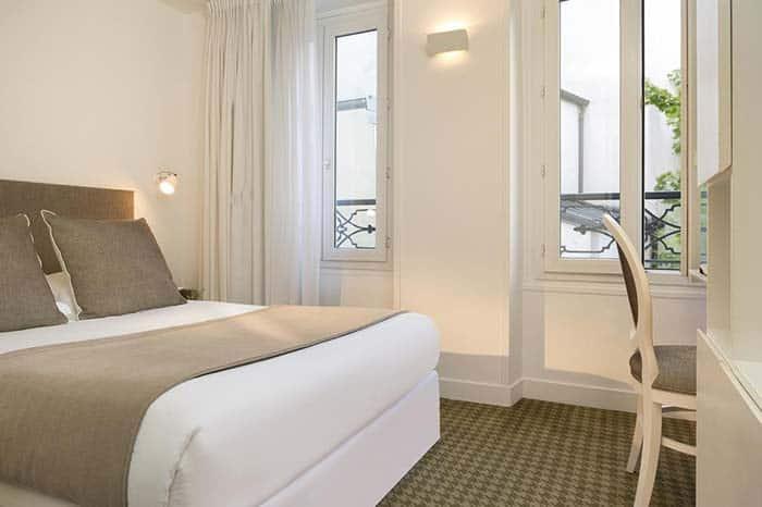 Habitacion privada del Hotel Mistral en Paris.