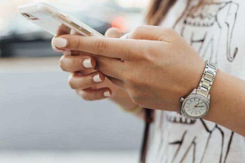 el teléfono y las redes sociales son una distracción