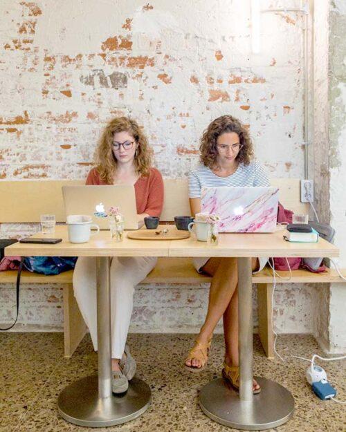 grupos de nómadas digitales para encontrar trabajo remoto