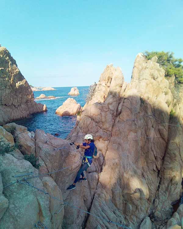 Adrenalina en via ferrata de la costa brava