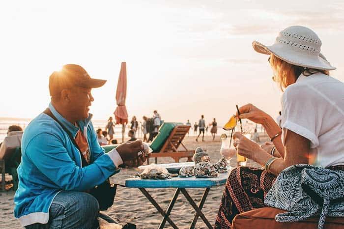 vendedor playa Bali